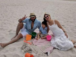 Taimur Kareena Saif Send Christmas Greetings With The Family S Beach Pictures