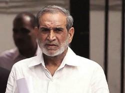 Sajjan Kumar Surrenders Court Delhi After Conviction Sikh Riot