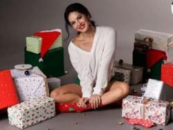 Akshay Kumar Sonam Kapoor B Town Celebs Wish Fans Merry Christmas