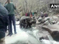 Bus Skids Off Road Falls Into Gorge Kashmir S Poonch 11 Killed