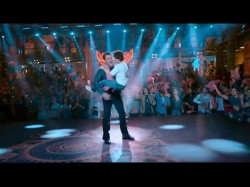 Shahrukh Salman Khan Come Together Zero Song Issaqbaazi Watch Video
