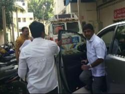 Karnataka Congress Mla Hospital After Fight With Another Mla At Resort
