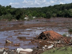 More Than 40 Dead Many Feared Buried Mud After Brazil Dam Collapse
