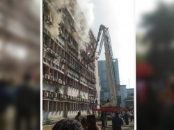 Fire At Sdf Building Saltlake Sector V Three Fire Tenders Rushed The Spot