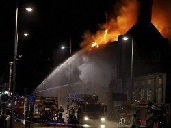 Warehouse Blaze Tackled Firefighters Croydon London