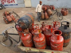 Non Subsidised Lpg Cylinder Rates Cut Rs