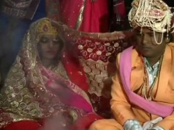 Bride Shot Minutes Before Exchanging Garlands With Groom At Delhi