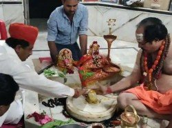 Muslim Minister Rajasthan Congress Government Worships Shiva Temple