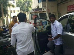 Karnataka Congress Mla Hospital After Fight With Another Mla At Resort