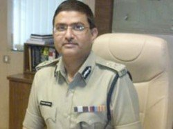 Government Curtails Rakesh Asthana S Tenure Cbi With Immediate Effect