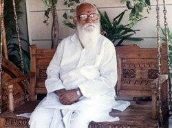 Know About Bharat Ratna Awardee Nanaji Deshmukh