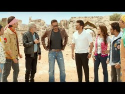 Total Dhamaal Movie Review Ajay Devgn Madhuri Dixit Film Gives 90 S Nostalgia