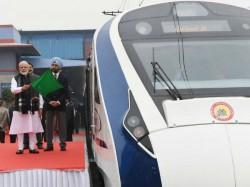 Pm Narendra Modi Inagurates Bande Bharat Express Delhi