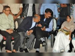 Cm Mamata Banerjee Goes House Kolkata Police Commissioner