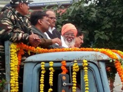 Bjp Mp Sakshi Maharaj Is Laughing Funeral Possession Martyr In Up