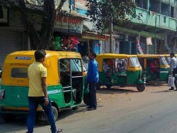 Auto Driver Allegedly Attacks On Daily Passenger Dum Dum Cantonment Area