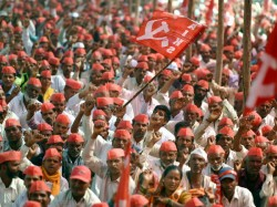 Thousands Begin Kisan March 2 0 From Nashik Mumbai After Failed Late Night Talks With Govt