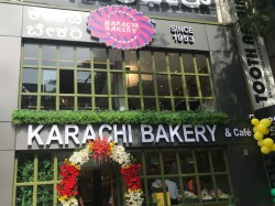 Protest Over Karachi Bakery In Bengaluru