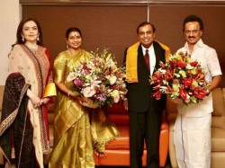 Mukesh Nita Ambani Start Invite Guest Son S Wedding