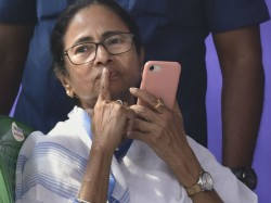 Mamata Banerjee Does Cabinet Meeting On Dharna Stage At Metro Chane Kolkata