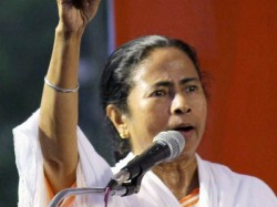 Mamata Banerjee Will Meet His Party Leaders At Nazrul Manch On 25th Feb