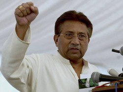 Parvej Mussharraf Supports Imran Khan On Pulwama Terror Attack