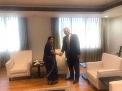 Amid Calls Boycott Pakistan Mp Vankwani Visits Kumbh Mela