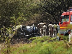 Iaf Mirage 2000 Aircraft Crashes Near Bengaluru S Hal Airport Both Pilots Dead