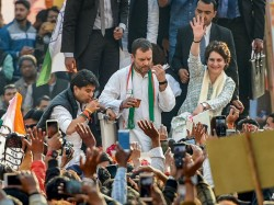 More Than 50 Phones Stolen From Priyanka Gandhi S Road Show In Uttar Pradesh