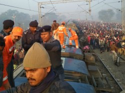 Seemanchal Express Accident Live Updates Railways Orders Probe After 7 Killed