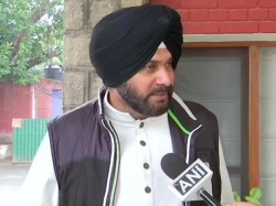 Navjot Singh Sidhu Condemns Pulwama Attack But Hasn T Criticised Pakistan For Act