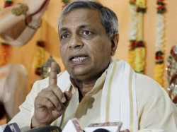 Vhp Leader Claims Mamata Banerjee S Government Harbouring Anti Nationals
