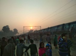 Bihar Cm Nitish Kumar Express Grief Over Seemanchal Express Accident