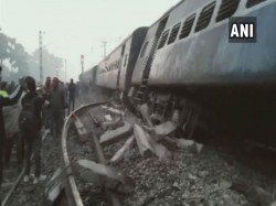 Seemanchal Express Is Derailed Bihar Resulted 6 Dead The Incident