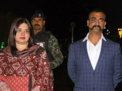 Abhinandan Bartaman Gives First Reaction Returning Home From Pakistan