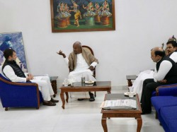 Jds Fight 10 Seats Karnataka Lok Sabha Elections 2019 Says Deve Gowda Talks Rahul Gandhi