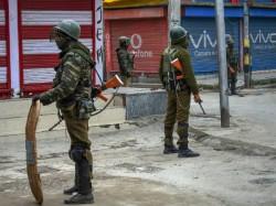Gun Shots Sound At An Army Camp Creates Panic Shopian Jammu And Kashmir