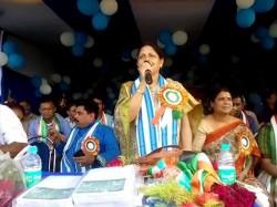 Tmc Candidate Mamatabana Thakur Was Swarupnagar Her Party Campaign