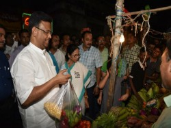 Cm Mamata Banerjee Went To Chetla Bazar With Firhad Hakim