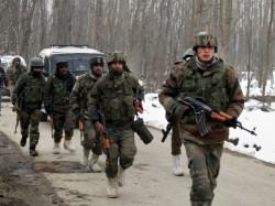 Security Forces Corner Terrorists Jammu Kashmir S Shopian Encounter On