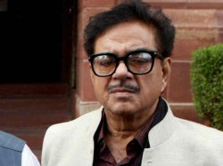 Bjp Leader Shatrughan Sinha May Contest From Patna Sahib Attacks Pm Modi On Twitter