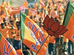 Bjp Meets Election Commission Alleged Against Tmc S Four Leaders