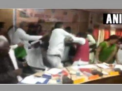 Bjp Lawmakers Uttar Pradesh Thrash Each Other With Shoes See The Video