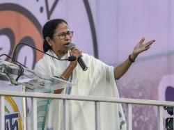 Mamata Banerjee Attacks Narendra Modi From Her Raigunge Meeting
