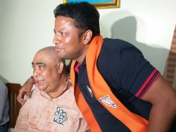 Bjp Candidate Anupam Hazra Having Lunch With Anubrata Mandal In Birbum