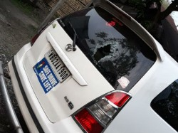 Bjp Leader Roopa Ganguly S Car Was Attacked In Jalpaiguri