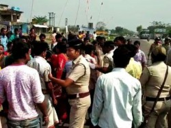 Voting Disrupted Due To Clash Between Tmc And Bjp