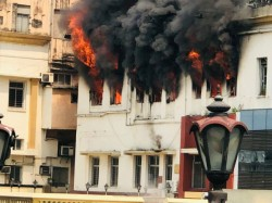 Fire Broke Out In Exide Of Kolkata 5 Fire Tenders Are There