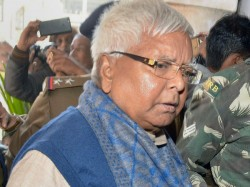 By Opposing Bail Cbi Alleged Lalu Yadav Conducting Political Activities From Hospital