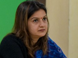 Congress Leader Priyanka Chaturvedi Joins Shiv Sena